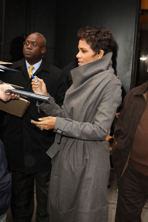 Halle Berry On The Set Of Morning America by Halle Berry Photos Photos Halle Berry Outside