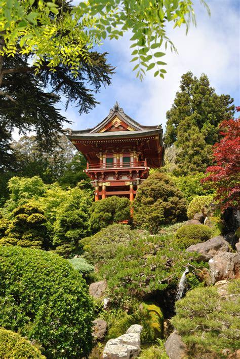 the 25 most inspiring japanese zen gardens university backyard japanese tea garden www imgkid com the image