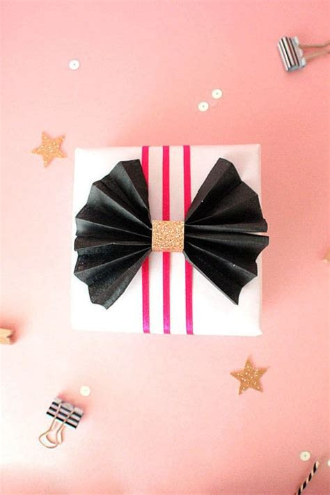 How To Make A Bow Out Of Tissue Paper - how to make a tissue paper bow 183 how to make a gift bow