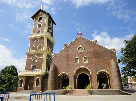Ordinary Buffalo Churches #7: 1200px-Our_Lady_of_Piat_church.jpg