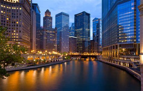 family boat cruise chicago navy pier on lake michigan silversmith hotel chicago