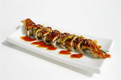 roll sushi sushi moto wing roll d 19 roll green wave