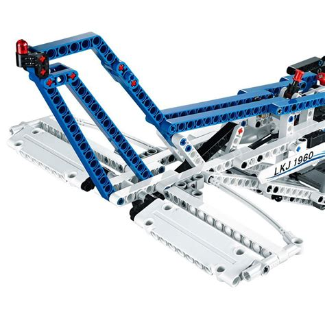 Cargo L by Lego Technic 42025 Pas Cher L Avion Cargo