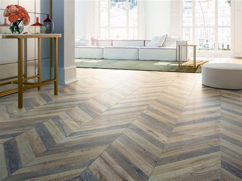chevron tile herringbone wood look tile floor - Chevron Badezimmerideen