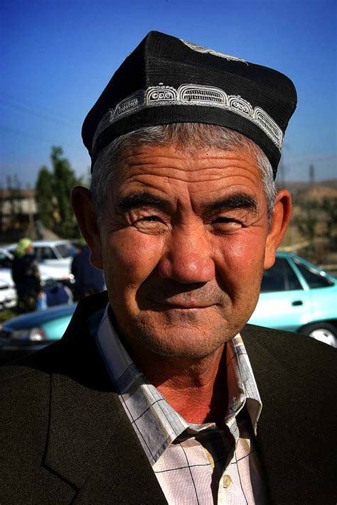 uzbek men uzbek boys dating guys from uzbekistan file uzbekistani old man in 2005 jpg wikimedia commons