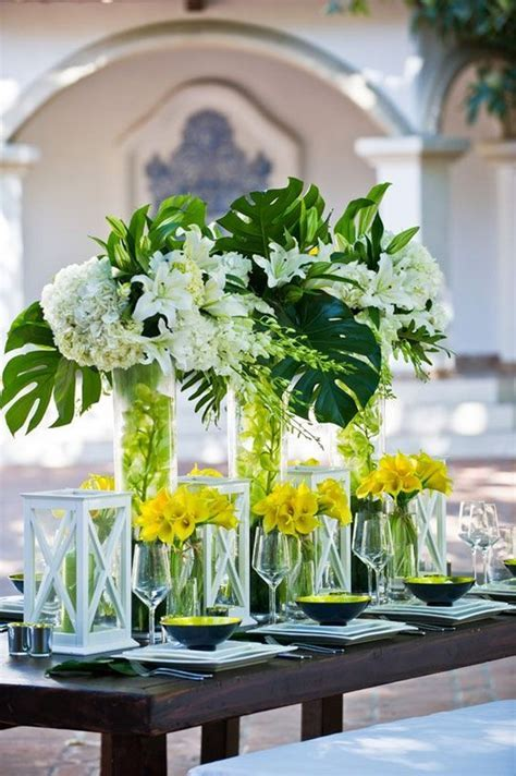 2018 Trend: Tropical Leaf Greenery Wedding Decor Ideas