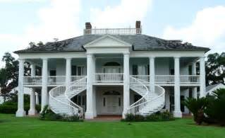 historical southern antebellum plantations southern pin by deborah debbie debs on architecture paths to