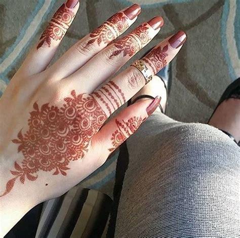 stylish girl mehndi hands dp  facebook sari info