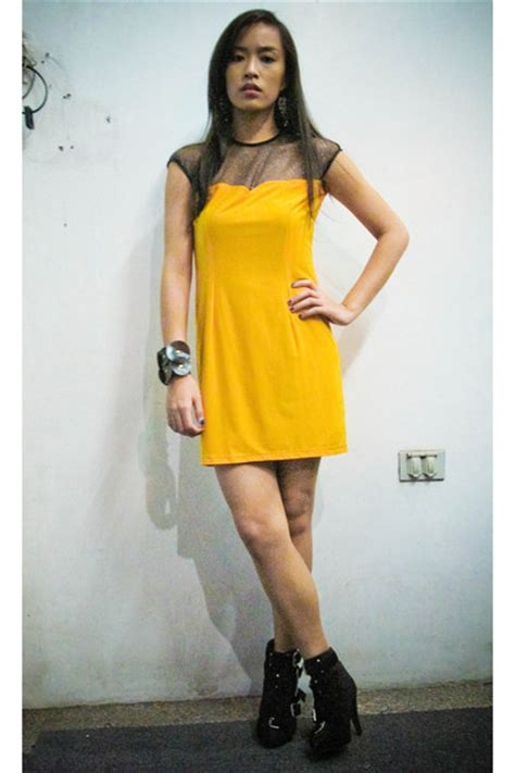 can you wear black shoes with a yellow dress dress uk