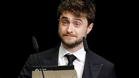 daniel radcliffe comes to tn harry potter comes to the aid of mugged tourist the