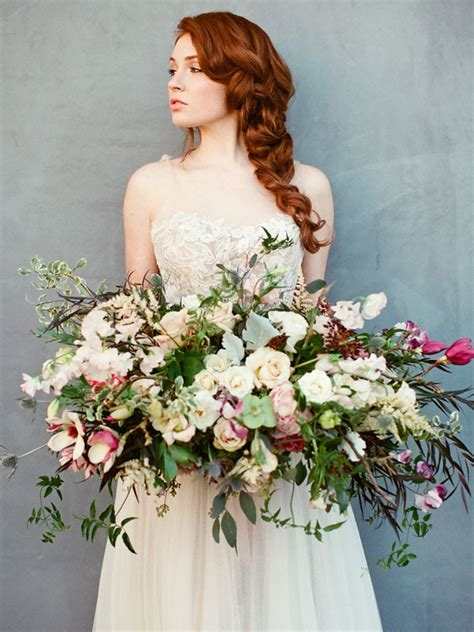 big wedding bouquets 20 oversize statement wedding bouquets southbound