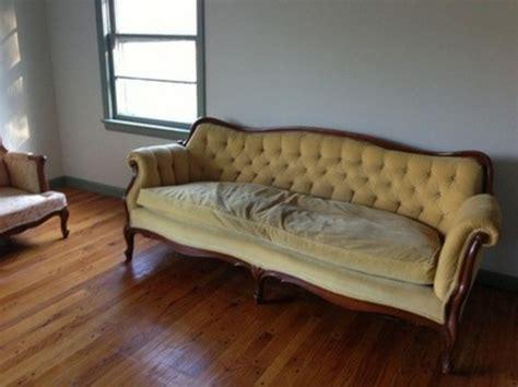 reinigung sofa tipps f 252 r reinigung woher kommt dieser schlechte geruch
