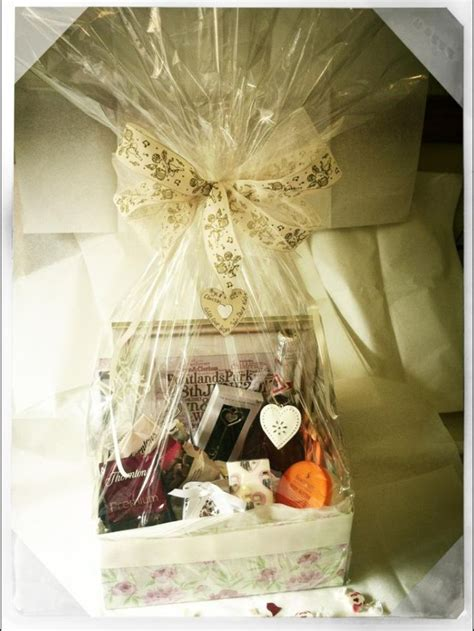 Wedding Gift Options India by Wedding Gift Her Ideas Lamoureph