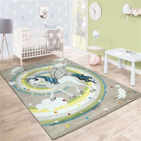 kinderzimmer teppich einhorn kinderteppich einhorn regenbogen m 228 dchen beige kinder teppiche