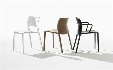 chaise en allemand les chaises design italien juno et saya prim 233 es en allemagne