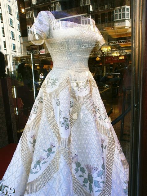 queen s queen s coronation gown beautiful things pinterest