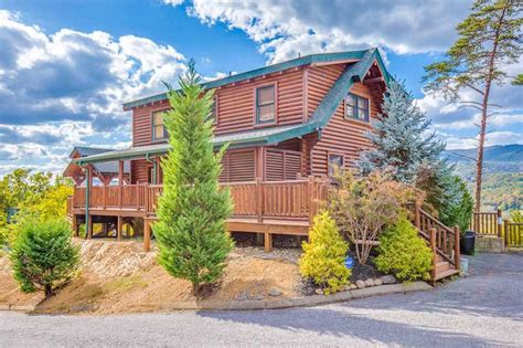 Cheap Smoky Mountain Cabins by 10 Cheap Cabins In Pigeon Forge