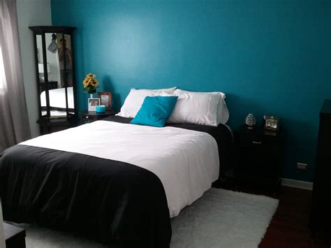 Teal Blue Bedroom Design Single White And Black Platform Bed Cover Set With Simple Furnishing In Teal Bedrooms