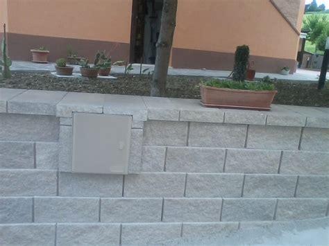 Costruire Muro Blocchi Cemento by Realizzazione Muri E Staccionate Contigiani E Ruani Macerata
