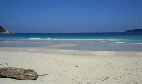 tropical island mcgeary media top ten best tropical islands calm down
