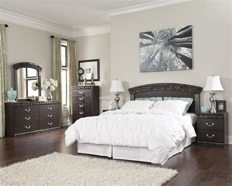 signature bedroom furniture signature design by ashley vachel queen full bedroom group