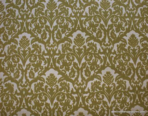 green vintage wallpaper 1970 s vintage wallpaper flocked olive green damask on