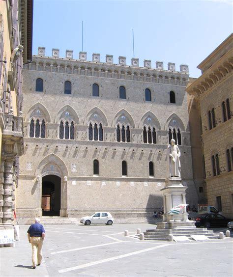 banche a siena palazzo salimbeni