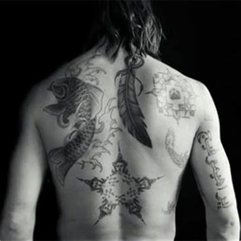 tattoo carpa ibrahimovic il tattoo di ibrahimovic diventa un giubbotto firmato nike