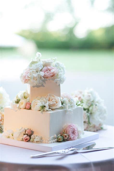square wedding cake with fresh flowers elizabeth designs the wedding
