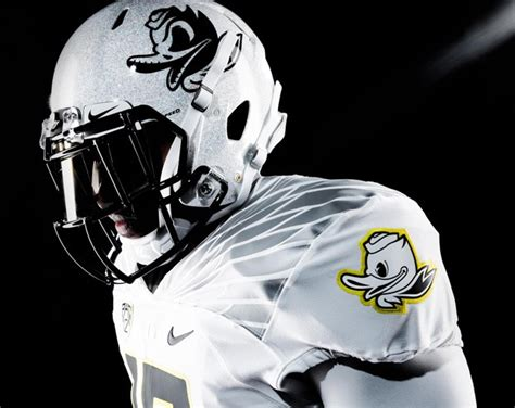 oregon ducks 2015 2016 uniforms oregon ducks galaxy white helmet sneaker bar detroit
