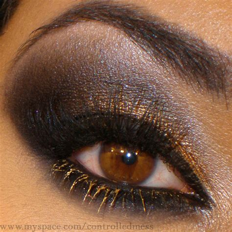 10 Black Smokey Eye Tips by 5 Add Black Eyeshadow The Eye 10 Black Smokey Eye