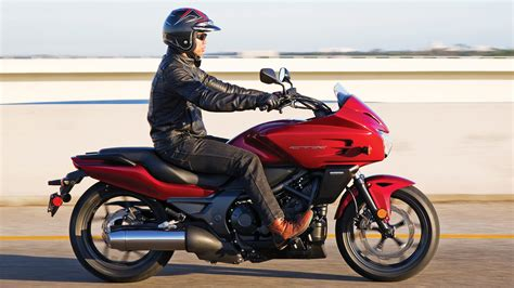 Motorrad Honda 700 by 2018 Honda Ctx700 Dct Review Of Specs Features