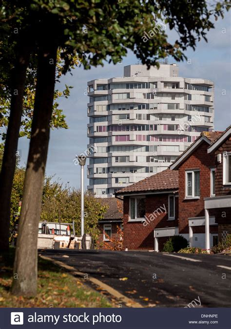 houses to buy in croydon the croydon no 1 tower rises above houses on the park hill estate in stock photo