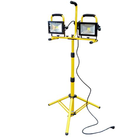 arlec 1000w halogen worklight with tripod 1000w halogen shop work light w telescoping stand tripod base new ebay