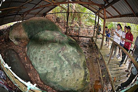 batu bergambar 1 kuching sarawak batu bergambar at sungai jaong santubong