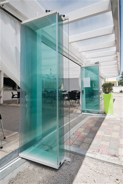 verande mobili per balconi chiusure laterali vetrate o pareti in vetro chiusure in