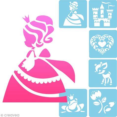 pochoir chambre enfant pochoir enfant princesses set de 6 pochoirs pochoir