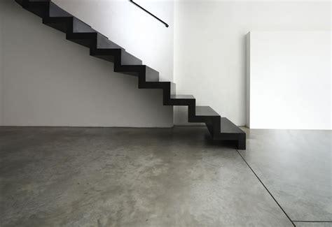 pavimenti in resina per interni pavimenti scuri magadesign