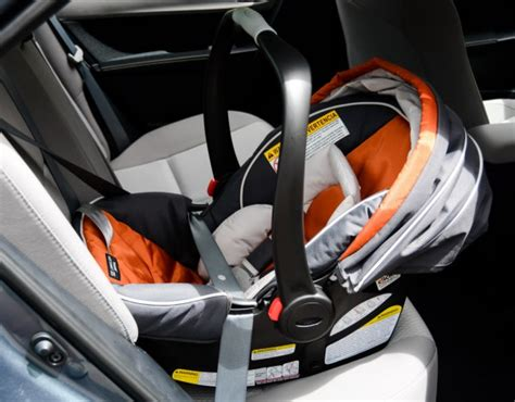attaching graco car seat without base graco snugride click connect 35 review babygearlab