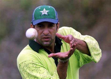 wasim akram double swing best cricketer wasim akram