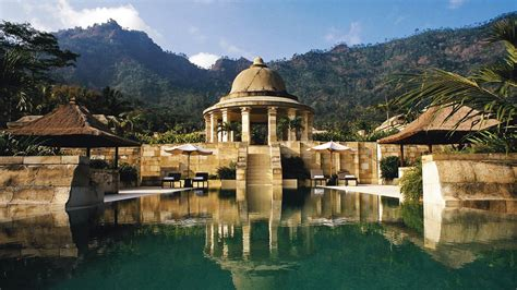 A Place Indonesia Amanjiwo Resort In The Rural Heartland Of Central Java Extravaganzi