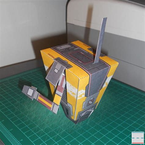 Claptrap Papercraft - borderlands 2 claptrap paper craft gadgetsin