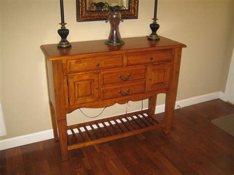 Broyhill Buffet Table Broyhill Dining Table With Six Chairs Plus Sideboard