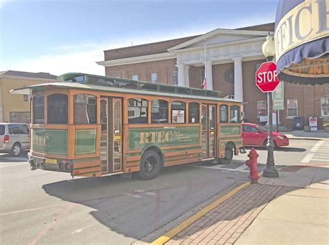 somerset holiday trolley may lead to year round bus