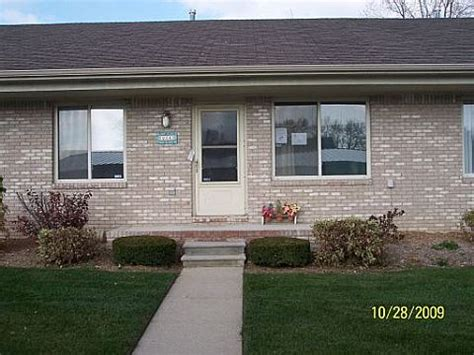 clinton township houses for sale 22143 glenwood clinton township mi 48035 foreclosed home information foreclosure