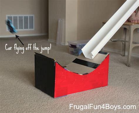 turn  cardboard box   jump  hot wheels cars