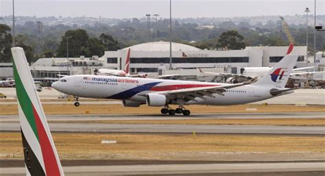 Malaysia Airlines One World Airbus A330 Passenger Airplane Metal Dieca malaysia airlines flight returns to melbourne after