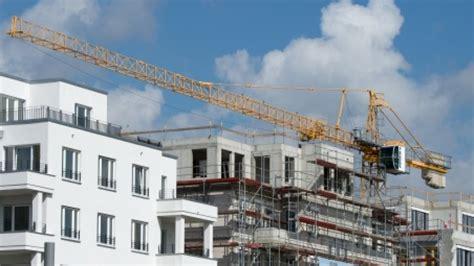 berliner morgenpost wohnungen bund will 4500 wohnungen an berlin verkaufen berlin
