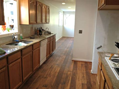 Kitchen Floor Not Level by Okay This Floor Looks To Me With Oak Cabinets