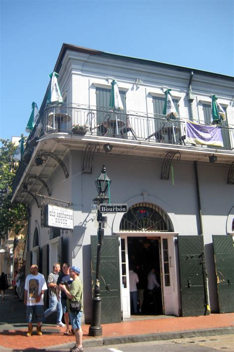 absinthe house old absinthe house 8 haunted houses in new orleans that will scare your pants off
